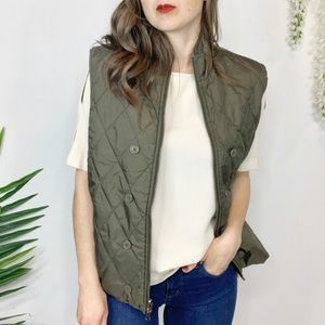 Reversible quilted green vest zip up pockets